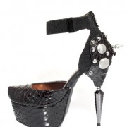 pumps-yourshape-venom-1