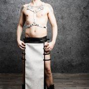 kilt-yourshape-maenner-lederimitat-kroko-schwarz-weiß-1